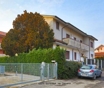 villa bifamiliare terrazzi Lissone foto