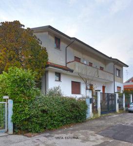 villa bifamiliare terrazzi Lissone foto31