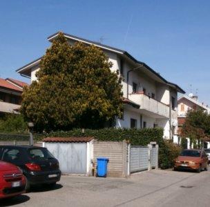 villa bifamiliare terrazzi Lissone foto1
