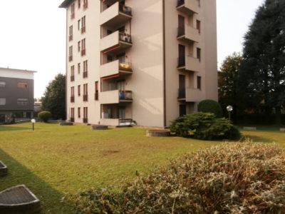 Trilocale elegante terrazzo Lissone foto10