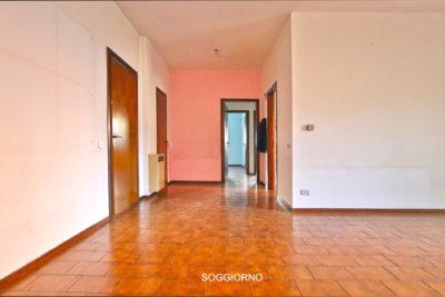 appartamento trilocale terrazzo lissone foto24