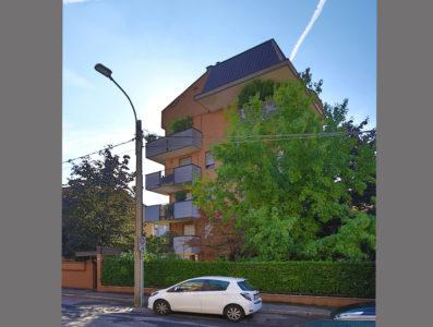 bilocale centro terrazzo Lissone foto24
