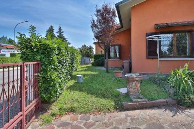 villa singola giardino bellusco foto17