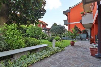 quadrilocale giardino porticato macherio foto4